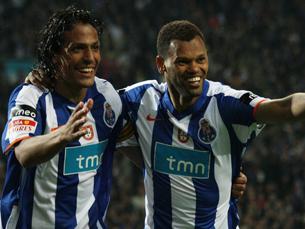 """Capitão portista (à esquerda) marcou o golo do """"tetra"""" Foto: Catarina Morais (MaisFutebol)"""