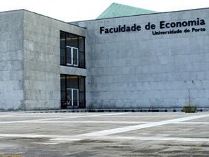 A Faculdade de Economia recebeu três ex