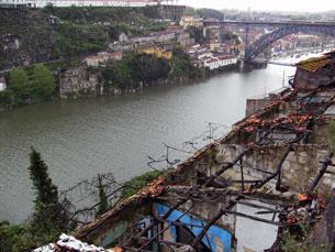 Habitantes das Fontainhas convivem com ruínas há mais de sete anos Fotos: Daniela Assunção
