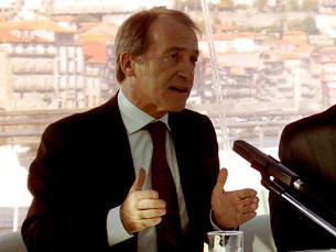 Luís Filipe Menezes foi mais longe do que Manuel Pizarro, que tinha dito recuperar o Bolhão até 2015 Foto: Arquivo JPN