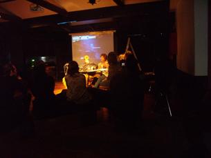 Oradores e convidados discutiram, em ambiente informal, os desafios do filme no século XXI Foto: JPN