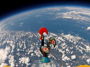 Um galo de Barcelos subiu à estratosfera, a mais de 33 mil metros de altitude Foto: DR