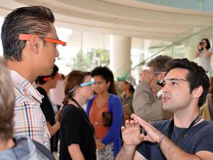 Os Google Glass foram apresentados a estudantes de doutoramento de grau dual do Programa Carnegie Mellon Portugal e da Universidade do Porto Foto: TEDxOrangeCoast/Flickr