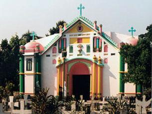 A Igreja do Santo Rosário, no Bangladesh, é um dos monumentos que pode ser consultado no site Foto: Rui Ochôa Acervo