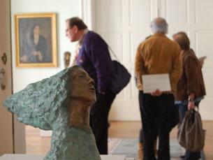 """A exposição """"O Corpo Inquieto"""" mostra ao público peças em bronze e técnica mista Foto: Sandra Gomes"""