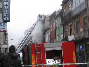 O incêndio atingiu o futuro hotel 15 antes da data de abertura Arquivo: JPN