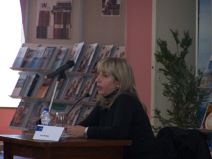 A escritora Inês Pedrosa vai lançar um novo romance em outubro, ainda sem título Foto: Renata Silva / Arquivo JPN