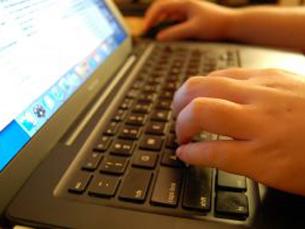 A Internet será cada vez mais popular e mais rentável prevê a OberCom Foto: Arquivo JPN