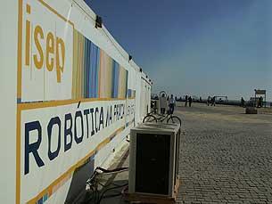Tenda está junto à praia do Titan até domingo Foto: Inês Figueiras