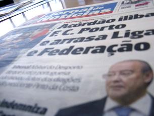 Temas que despertam o interesse nacional são os únicos que surgem nas manchetes Foto: Pedro Rios