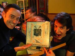 Nuno Fernandes e José Rui não perdem uma única noite de jogos de tabuleiro no Breyner 85 Foto: Ana R. Almeida