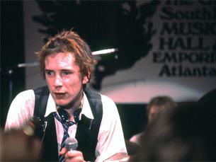 Os Sex Pistols vão estar pela primeira vez em Portugal esta quinta