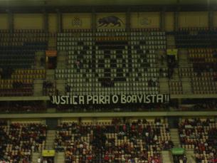Boavisteiros pretendem alertar para os problemas vividos pelo histórico emblema  do Bessa Foto: José Pedro Pinto