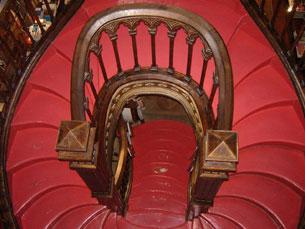 Escadaria circular é um dos pontos de atracção da Lello Fotos: Liliana Lopes