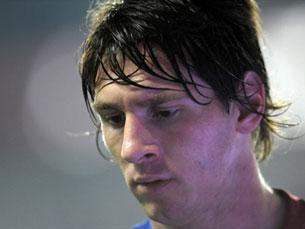 Messi disputava o troféu com Iniesta e Xavi Foto: FIFA