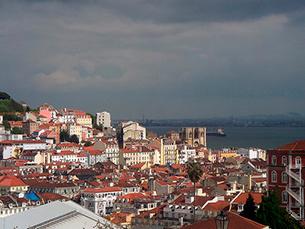 Clima, luzes que iluminam a cidade e miradouros são os principais destaques de Lisboa Foto: Pedro y Sergio/Flickr