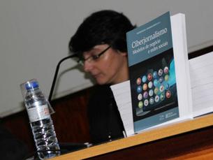 Primeiro dia o IIICOBCIBER terminou com apresentação do livro de dois professores da Faculdade de Letras Foto: DR