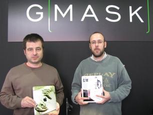 Eduardo Soares e Luís Matos abriram a primeira loja Gmask em Portugal para combater o desemprego Foto: Paulo Camões