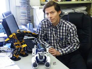 """Luís Paulo Reis crê que os """"robots humanóides"""" podem cooperar com os humanos Foto: Ana Maria Henriques"""