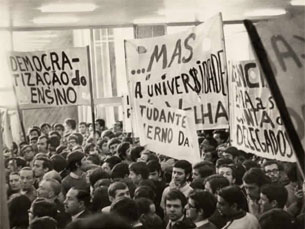 Manifestação em Coimbra durante a crise de 1969 Foto:
