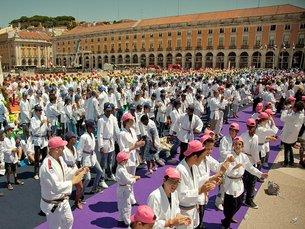 """Em 2011, participaram mais de quatro mil crianças na """"Maior Aula de Judo do Mundo"""", em Lisboa Fonte: DR"""