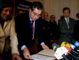 Mariano Gago desvaloriza o aumento do número de pedidos de ajuda dos estudantes universitários Foto: Pedro Rios / Arquivo JPN