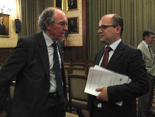 Vereador da Educação da Câmara do Porto, Vladimiro Feliz, com Marques dos Santos Foto: Carla Camarinha
