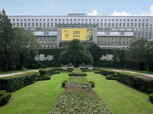 Edifício actual da FMUP não tem capacidade para todos os alunos Foto: DR