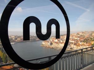 A escolha da ponte D. Luís para ligar o Porto e Gaia foi um dos temas mais debatidos antes da construção do metro Foto: António Gonçalves