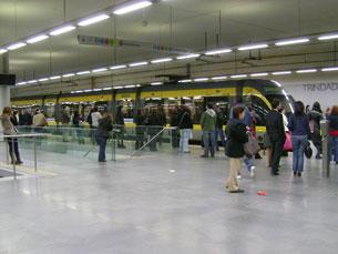 A Metro do Porto e a STCP continuam à espera da decisão final do governo quanto à sua possível fusão Foto: Isabel Silva / Arquivo JPN