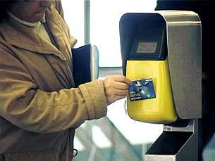 Número de validações no Metro do Porto aumentou nos primeiros meses de 2011 Foto: Ricardo Fortunato/Arquivo JPN