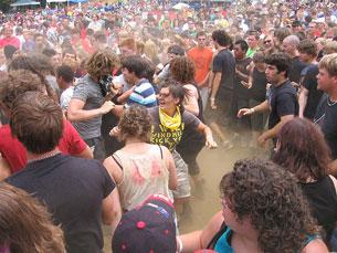 """O """"movimento extremamente energético"""" dos frequentadores de concertos, agora em tese Foto: Stewpendous/Flickr"""