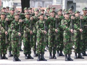Formação militar atrai cada vez mais jovens Foto: Rita Oliveira / Arquivo JPN