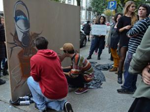 """Um mural que simboliza a tentativa de crescimento da instituição e o """"travão"""" financeiro do Governo Foto: Liliana Pinho"""