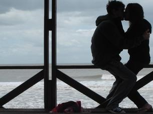 90% dos jovens inquiridos tem uma relação íntima, mas a maioria já provocou ou foi alvo de episódios de violência Foto: DR