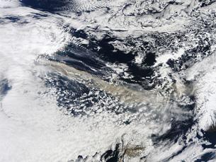 Imagens disponibilizadas pela NASA mostram o alastramento da nuvem de cinzas vulcânicas Foto: NASA Goddard Photo and Video /  Flickr
