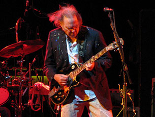 Neil Young deu um concerto magistral que durou cerca de duas horas Foto: DR