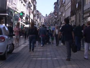 As diversas ruas da cidade do Porto, com as suas diferenças e semelhanças, são palco das mais variadas atividades Imagem: Rui Teixeira