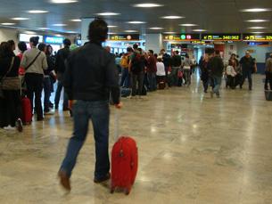 Apesar do levantamento das restrições, a segurança nos aeroportos não vai diminuir, garante a CE Foto: Nuno de Noronha