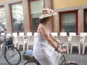 Porto foi palco de um desfile de ciclistas urbanos Foto: Tânia Monteiro