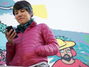 Cecilia Beaven foi ilustrando outdoors segundo as sugestões que lhe deixavam no Twitter Foto: Scribe