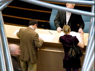 Os candidatos que tenham conhecimentos de francês, inglês e alemão, são valorizados Foto: European Parliament/Flickr