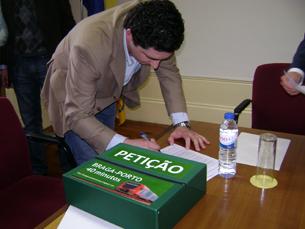 CP está a tentar atender às exigências da petição Foto: Sara Otto Coelho