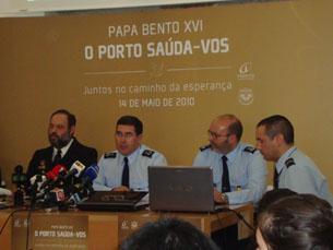 No Paço Episcopal, foram apresentadas as medidas de segurança para a visita do Papa Bento XVI Foto: Ana Mendes