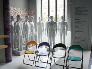 Os modelos em fibra de vidro já estão à espera dos artistas Foto: Joana Coimbra Martins