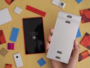 """O """"Gray Phone"""" é uma espécie de tábua cinzenta que possui oito módulos compatíveis que se podem pôr e tirar Foto: DR"""
