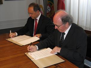 Santander Totta vai contribuir para actividades da UP com cinco milhões de euros Foto: Tiago Dias