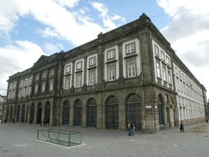 Apesar de ter descido no ranking, a Universidade do Porto melhorou em todos os índices de avaliação Foto: DR