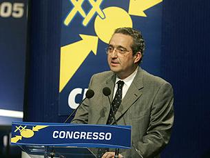 Ribeiro e Castro critica o Governo de Sócrates e espera um aumento da votação no CDS