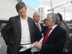 Fernando Jesus e Rio Fernandes contra o prolongamento da linha de Rio Tinto Foto: Carina Barcelos